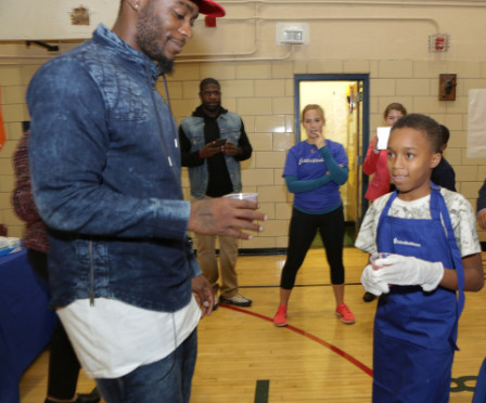 New York Giants Dominique Rodgers-Cromartie's Dreambuilders, Blessings in a Backpack, UnitedHealthcare provide food to New York City Children