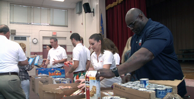 Furyks, Bradleys volunteer to fight child hunger