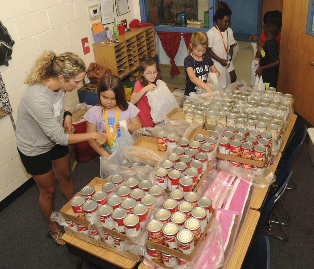 Second-Grade Students in Glynn Co. Volunteer with Blessings in a Backpack