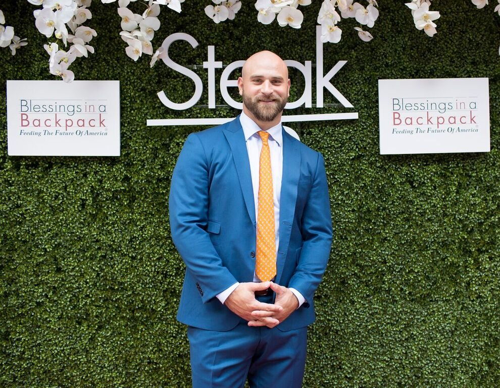 Kyle Long hosts charity dinner for Blessings in a Backpack