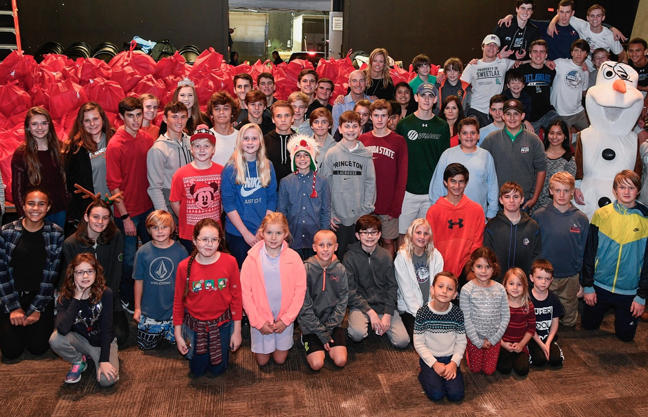 Jim & Tabitha Furyk Foundation packs over 3,500 bags of food for children in need at 'Hope for the Holidays' event