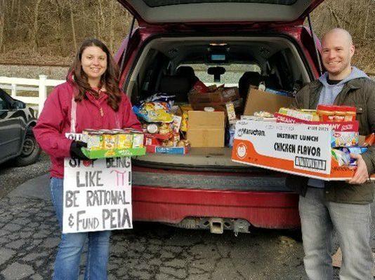 Rivesville Elementary School teachers deliver food in Charleston, W. Va.