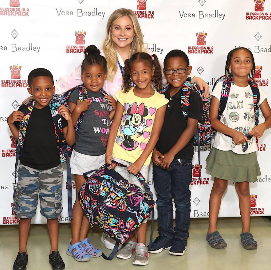 Shawn Johnson with kids in Chicago