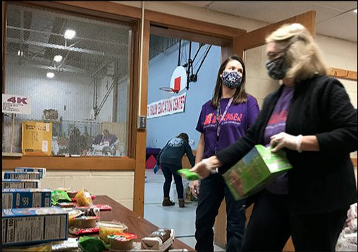 Volunteers fight hunger as many homebound